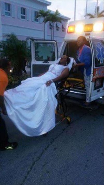 Girl Uses An Ambulance To Make A Dramatic Entrance At Prom (3 pics)