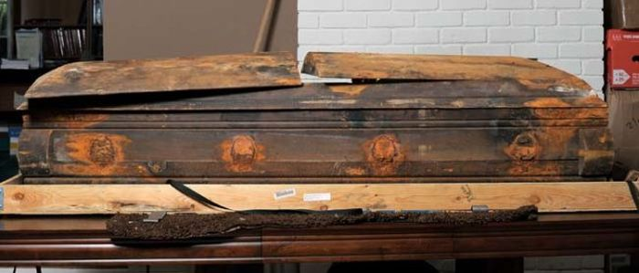 Lee Harvey Oswald's Coffin Got Caught Up In A Heated Legal Battle (6 pics)