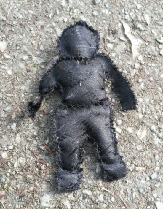 Graveyard Gardener Finds Very Creepy Items At Work (4 pics)