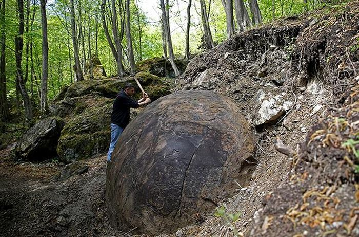 Scientists Are Still Confused By This Massive Stone Ball In Bosnia (6 pics)