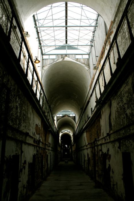 Eastern State Penitentiary In Pennsylvania Is Both Haunting And Beautiful (25 pics)
