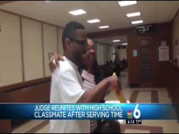 Judge Reunites With Middle School Classmate