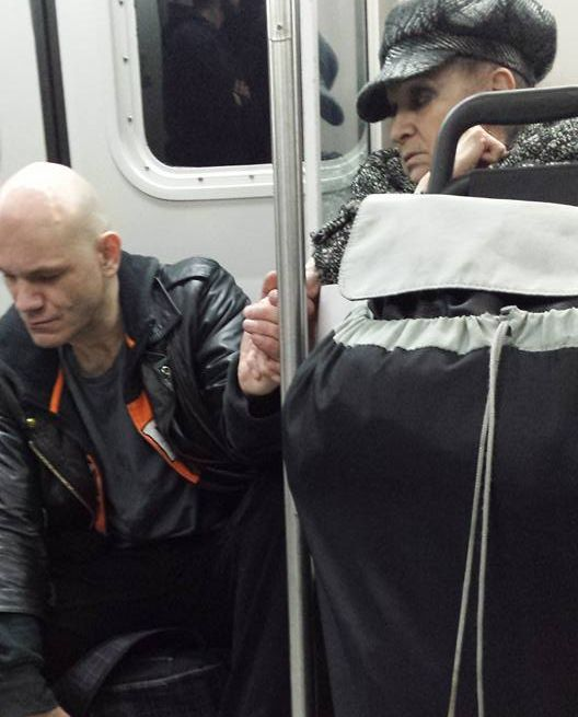 Old Woman Reminds People On The Bus Not To Judge Strangers (2 pics)