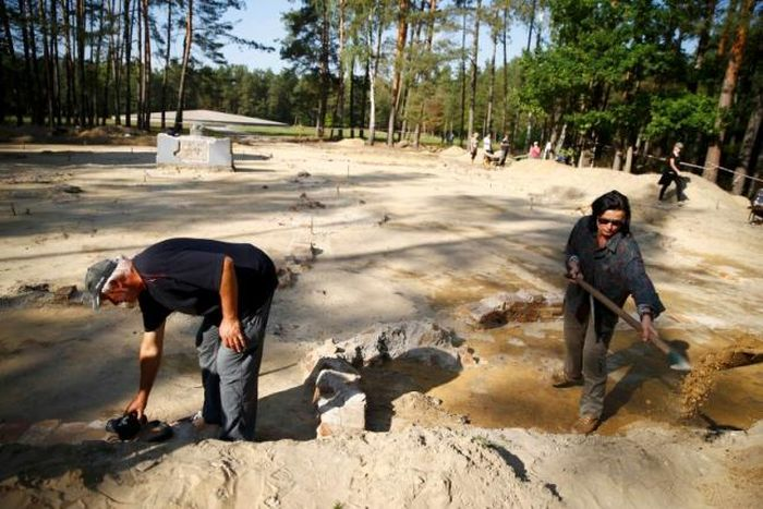 Archaeologists Discover Buried Gas Chambers In Poland (9 pics)