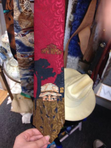 Strange And Awesome Discoveries That Could Only Be Uncovered At Thrift Shops (61 pics)