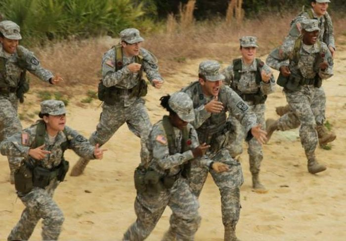 Awesome Photos From Exciting Adventures In The Army (43 pics)