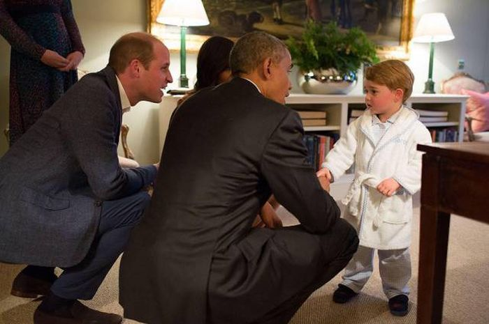 Prince George Showed Off His Adorable Pajamas When He Met President Obama (6 pics)