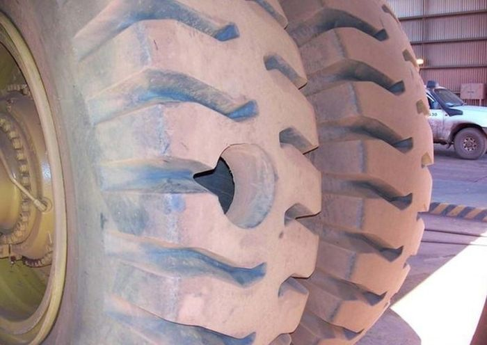 This Tire Ran Into A Little Bad Luck (3 pics)