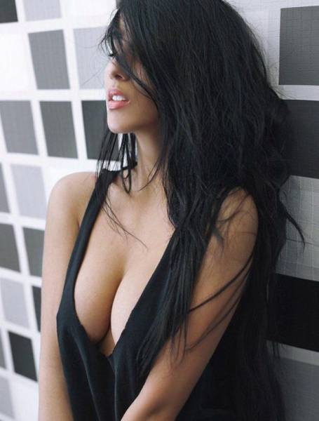 Hot Pics Of Sexy Women That Prove Busty Chests Are The Best (59 pics)