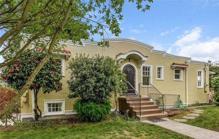 The Montlake Spite House Looks A Lot Bigger On The Inside (13 pics)