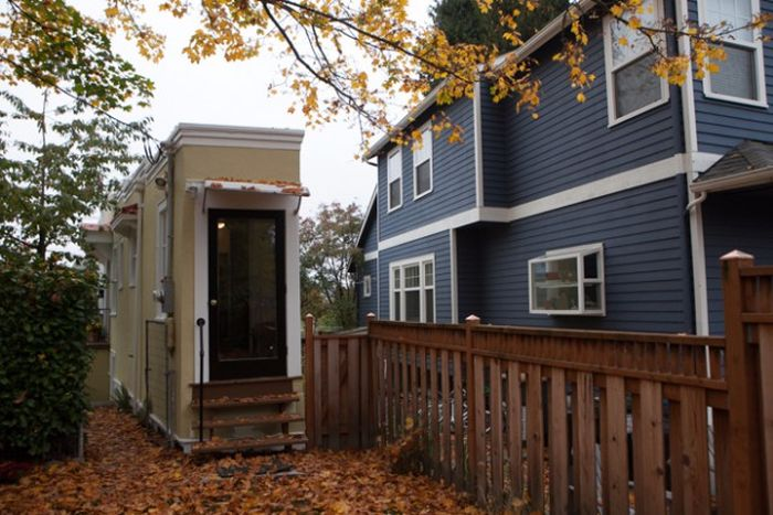 The Montlake Spite House Looks A Lot Bigger On The Inside (13 pics)
