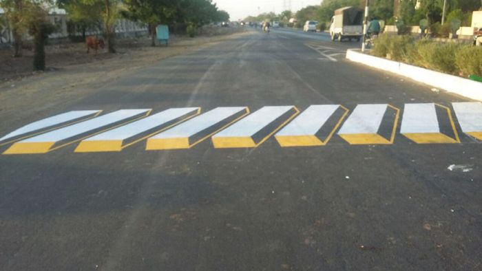 India Is Using 3D Paintings To Inspire Drivers To Slow Down (5 pics)