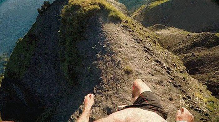 Close Calls That Could Have Easily Turned Into A Deadly Disaster (16 gifs)