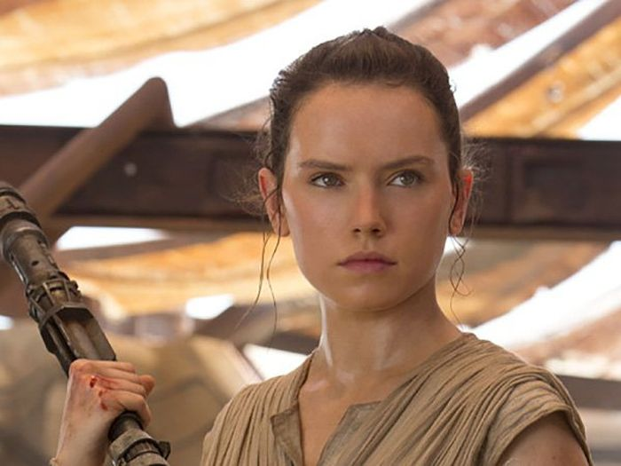 Daisy Ridley Is Stepping Up Her Training Game For Star Wars: Episode VIII (6 gifs)