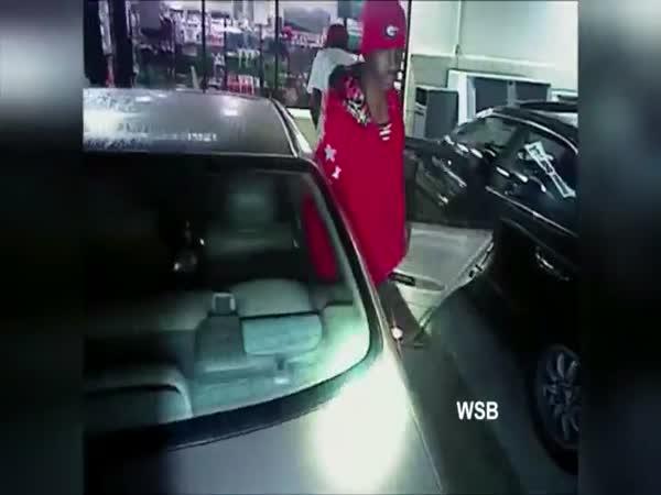 Idiot Pulls Gun On Cop And Runs Away
