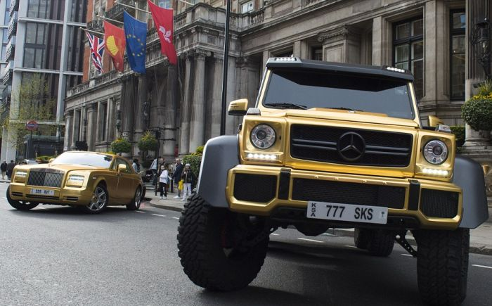 Saudi Billionaire Playboy Shows Off His Wealth In London (12 pics)