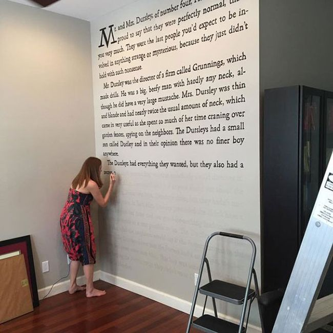 Harry Potter Fanatic Paints An Entire Page From One Of The Books On Her Wall (5 pics)