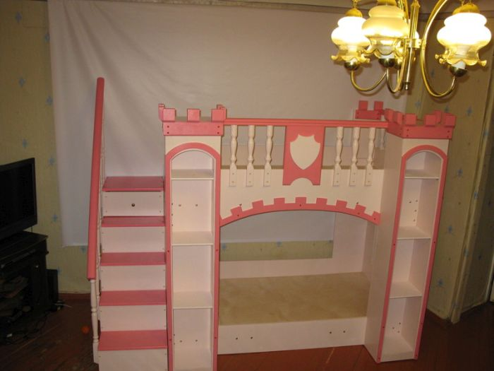 Dad Builds The Coolest Crib Ever For His Baby Daughter (25 pics)