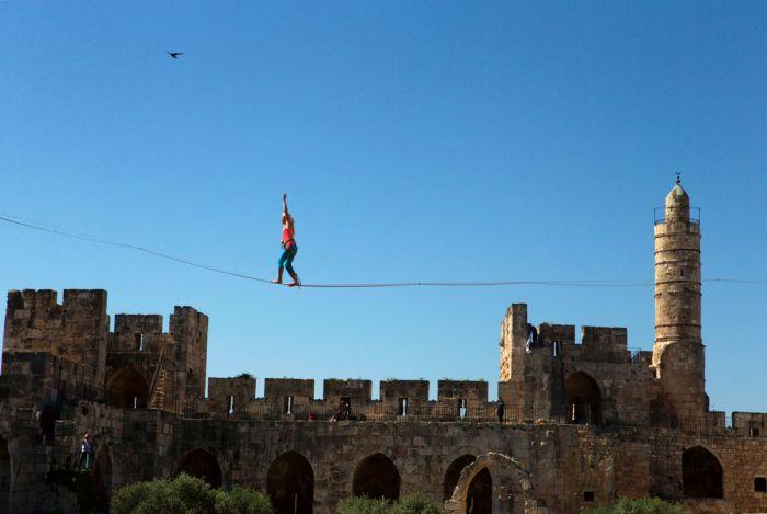American Walks Across A Tightrope At Jerusalem's Tower Of David (11 pics)