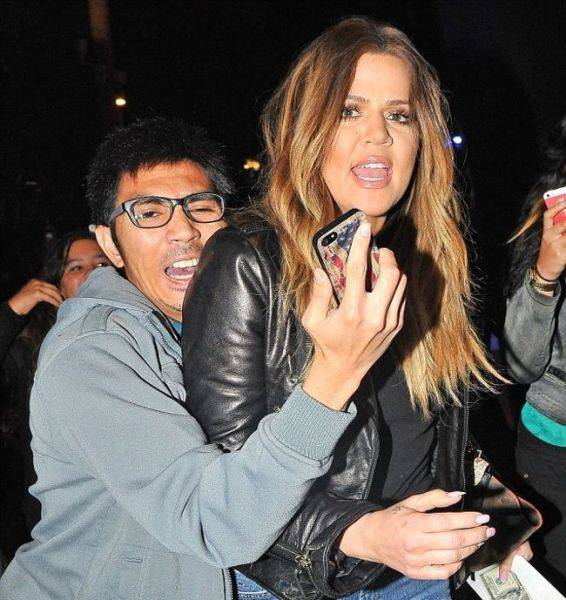 Hilarious Photos Of Celebrities Meeting Awkward Fans (44 pics)