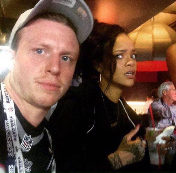 Hilarious Photos Of Celebrities Meeting Awkward Fans (44 pics)