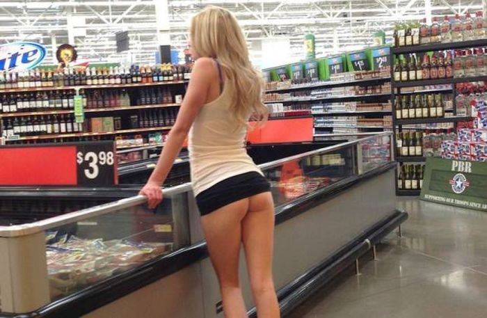 Hot Women Have To Go To The Grocery Store Just Like The Rest Of Us (45 pics)