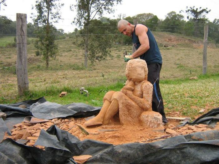 See How This Man Turned A Giant Rock Into An Impressive Sculpture (16 pics)