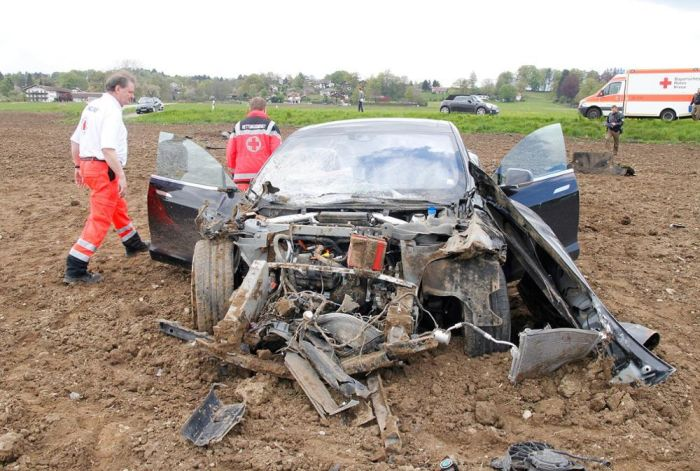 Tesla Model S Gets Destroyed On A Country Road (7 pics)