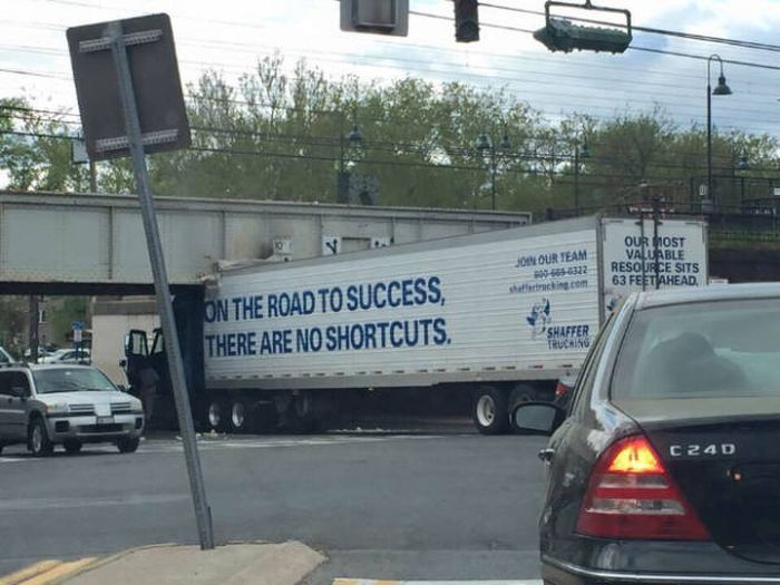These Pictures Are Overloaded With Irony That Just Can't Be Ignored (40 pics)