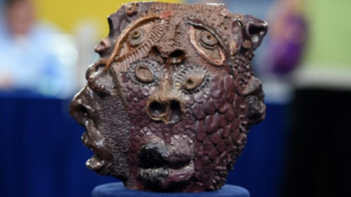 Antiques Roadshow Expert Foolishly Values School Project At A High Price (4 pics)