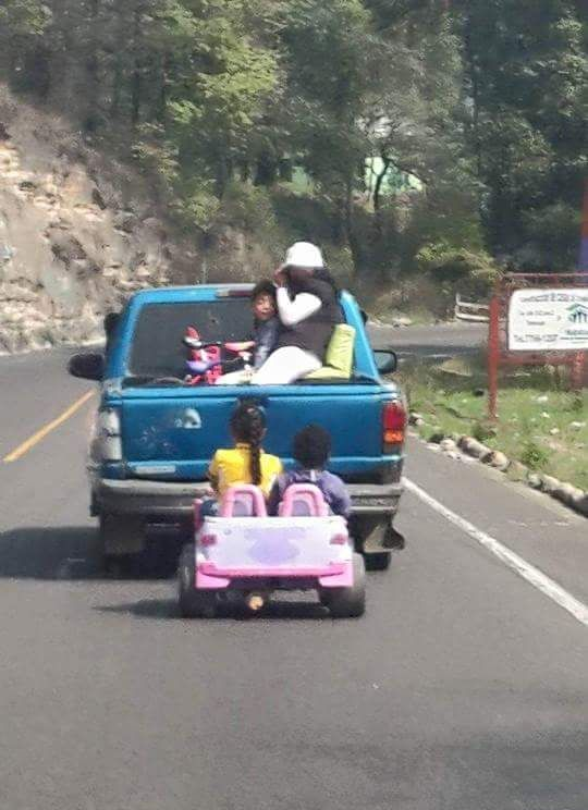 Guatemalan Family Goes On A Little Adventure (2 pics)