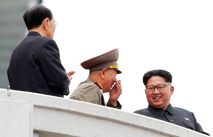 Hundreds Of Thousands Of North Koreans Gather To Celebrate With Kim Jong Un (34 pics)