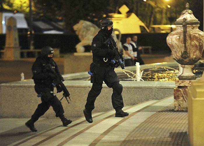 UK Police Apologize For Realistic Anti-Terrorism Exercises (12 pics)