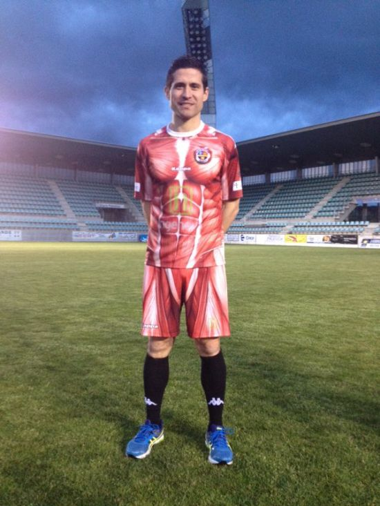 Spanish Football Club Wears Their Insides On The Outside (6 pics)
