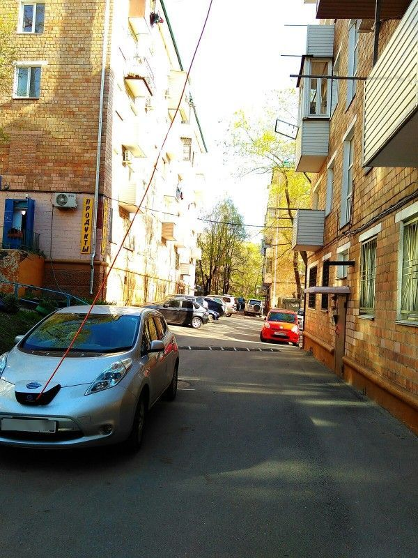 How Russians Charge Their Electric Cars (3 pics)