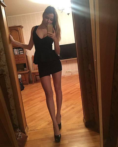 A Tight Dress Is The Most Tempting Thing A Woman Can Wear (52 pics)