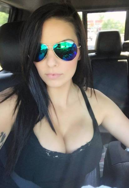 Gorgeous Women With Busty Chests Are Like A Gift That Everyone Can Appreciate (53 pics)
