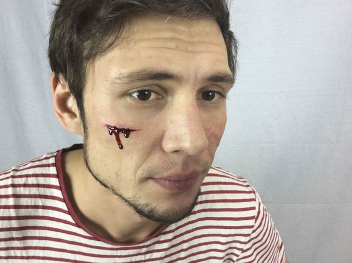 How To Apply Scars And Cuts With Special Effects Makeup (24 pics)