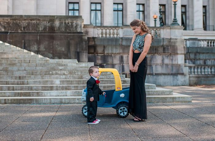 Mom Takes Hilarious Pictures Of Her Toddler Dealing With Adult Situations (14 pics)