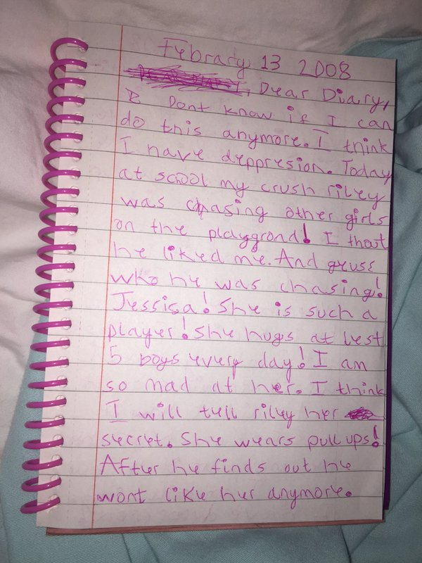 Girl Finds Hilariously Angsty Diary From When She Was 7 (3 pics)
