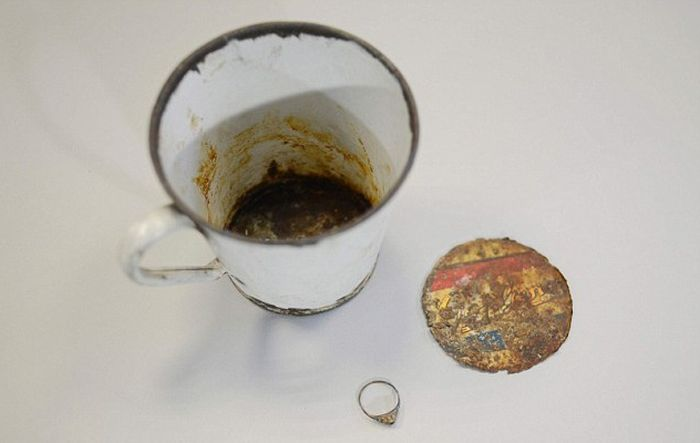 Hidden Treasure Discovered In A Mug At The Auschwitz Museum (7 pics)