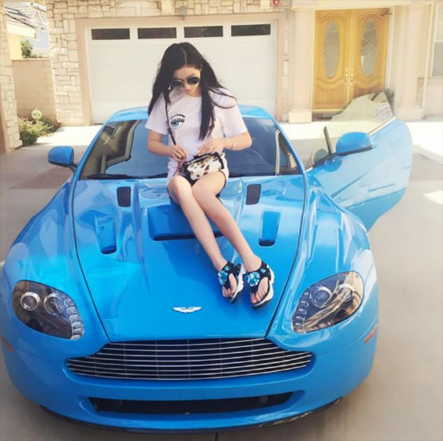 Rich Kids Of China Flaunt Their Wealth In Front Of The World On Instagram (23 pics)