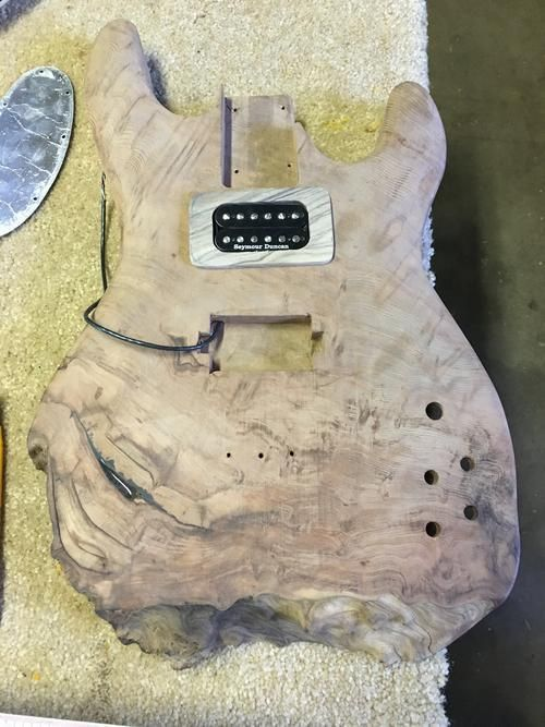 How To Build A Guitar Using A Piece Of Mahogany (16 pics)