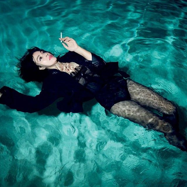 Monica Bellucci Stuns In New Wet And Sexy Photoshoot (8 pics)