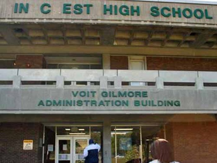 Awkward And Embarrassing School Names That You Just Have To Laugh At (23 pics)