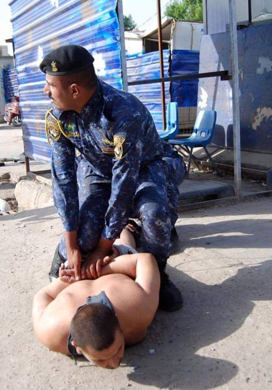 Baghdad Police Save The Day By Catching A Suicide Bomber (8 pics)