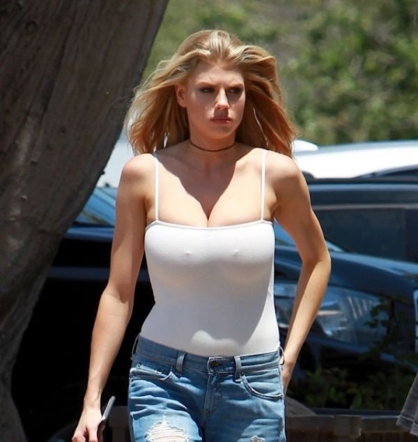 Charlotte McKinney Steps Out In Public In A Revealing Shirt (4 pics)