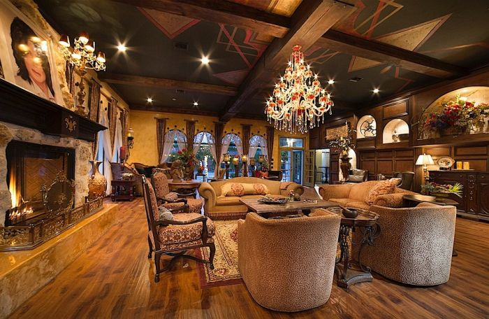 The Stunning Las Vegas Mansion That Michael Jackson Lived In Is On The Market (24 pics)