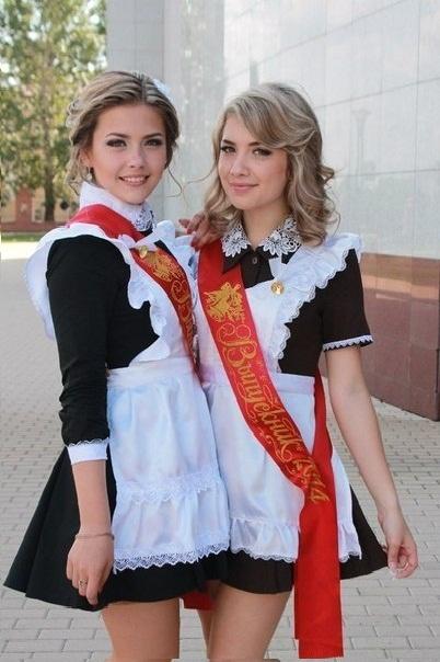 Beautiful Russian Girls Celebrate Graduation Day (29 pics)