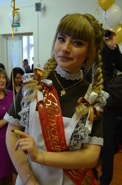 Beautiful Russian Girls Celebrate Graduation Day (29 pics)